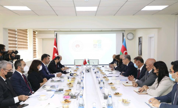 Azerbaijan, Turkey ink agreement on cooperation for environmental protection