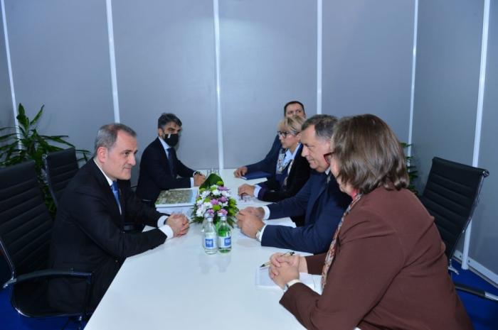 Aserbaidschan, Bosnien und Herzegowina diskutieren über bilaterale Zusammenarbeit