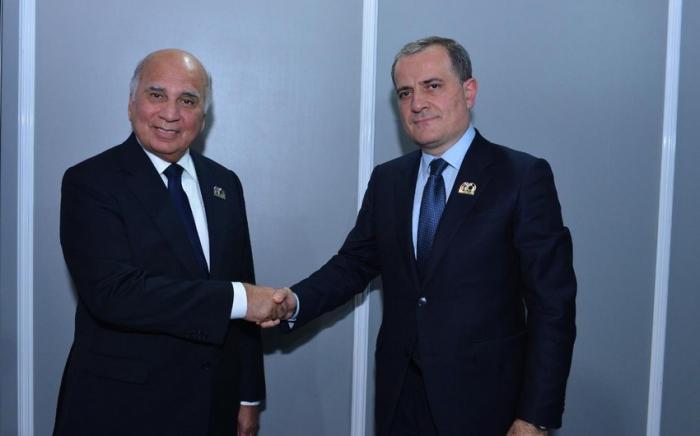 Die Außenminister von Aserbaidschan und Irak führten Gespräche