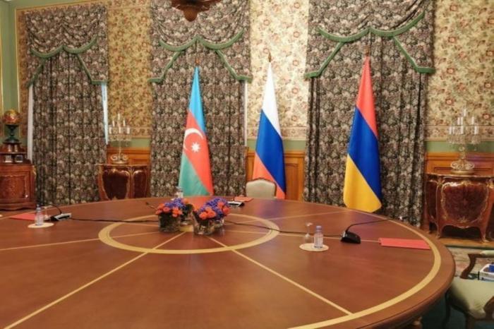 Azerbaijani, Russian, Armenian FMs held trilateral meeting in Minsk