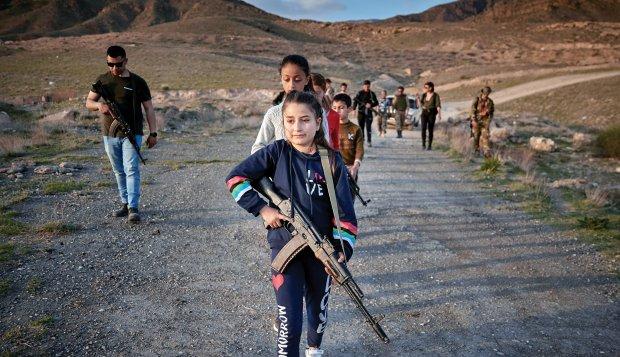 ABŞ ordusunun veteranları erməni uşaqlara hərbi təlim keçir
