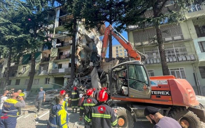 Batumidə binanın çökməsinə görə 3 nəfər saxlanılıb