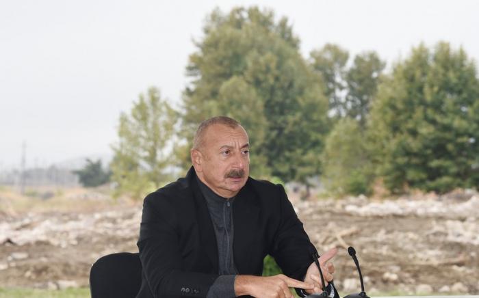 """İlham Əliyev:  """"Bizi hədələyirdilər ki, müharibə başlasa, biz yenə torpaq itirəcəyik"""""""