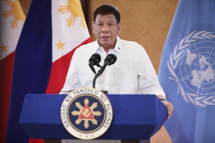 Filippin prezidenti siyasətdən gedir