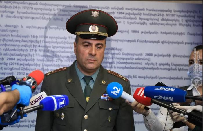 Ermənistanda hərbi böhran davam edir: Xaçatryan vəzifədən uzaqlaşdırıldı