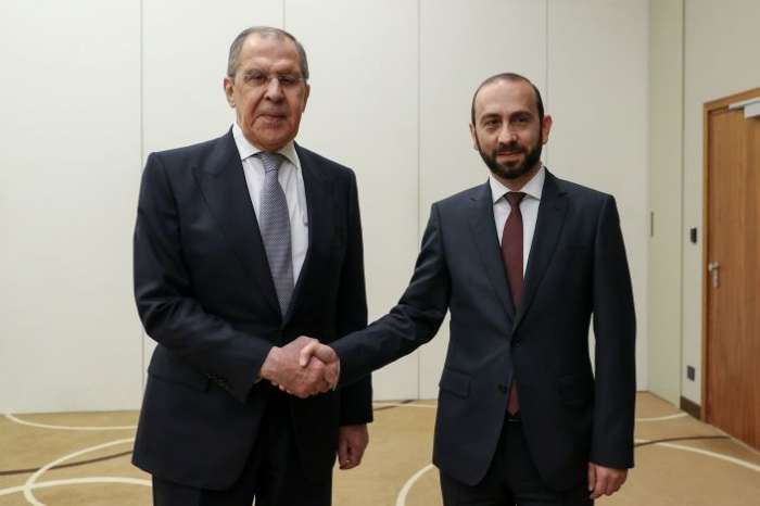 Lavrov Mirzoyanla görüşüb