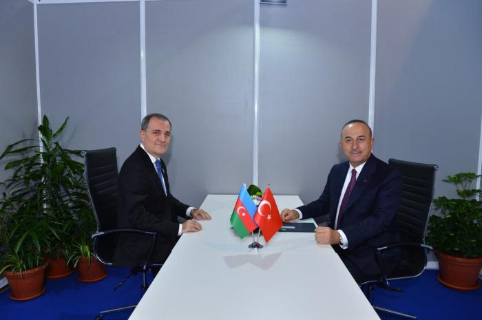 Les ministres des Affaires étrangères azerbaïdjanais et turc se sont réunis à Belgrade