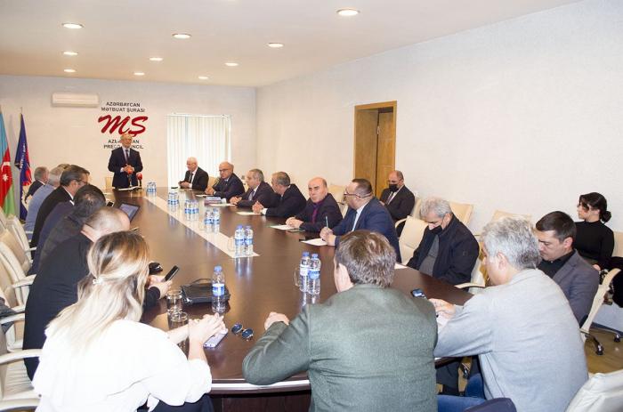 """""""Media və siyasi proseslərə baxış: peşə etikası və perspektiv vəzifələr"""" mövzusunda konfrans keçirilib -    FOTOLAR"""