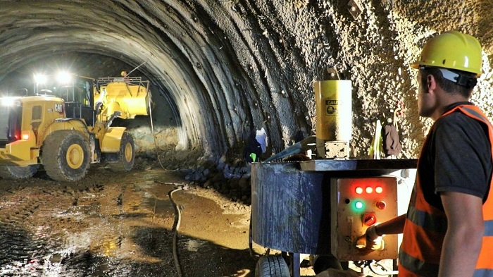 Dağı dəlib keçənlər:  Murov tunelinin çəkilişindən  FOTOLAR