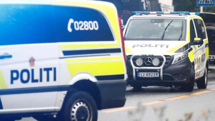 Norveçdə naməlum şəxs ox və yayla bir neçə nəfəri öldürüb