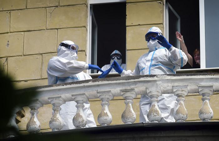 Rusiyada virusdan daha 924 nəfər öldü