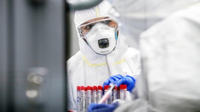 Rusiyada virusdan ölənlərin sayı 217 mini keçdi