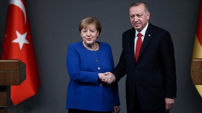 Merkel se rendra en Turquie le week-end prochain