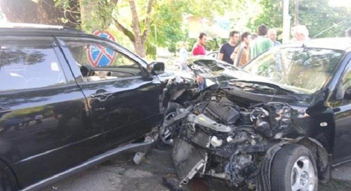 Avtomobillər toqquşdu, 3 yaralı