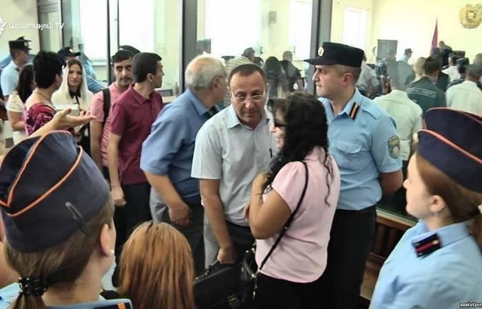 Sabah Ermənistanda 183 vəkil aclığa başlayır