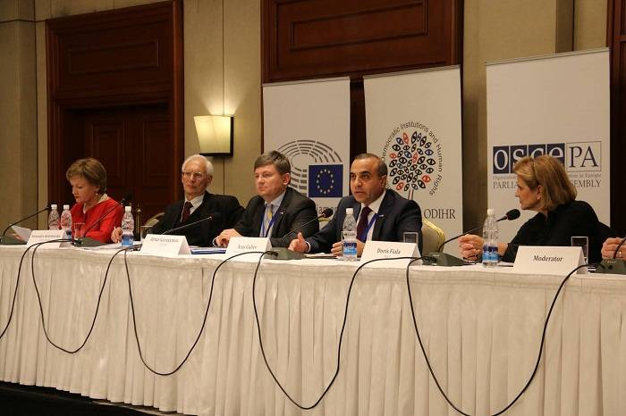 Azay Quliyev ATƏT-in Qırğızıstandakı seçkilərlə bağlı rəyini açıqladı