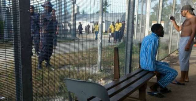 Papua New Guinea removes last refugees from Manus camp