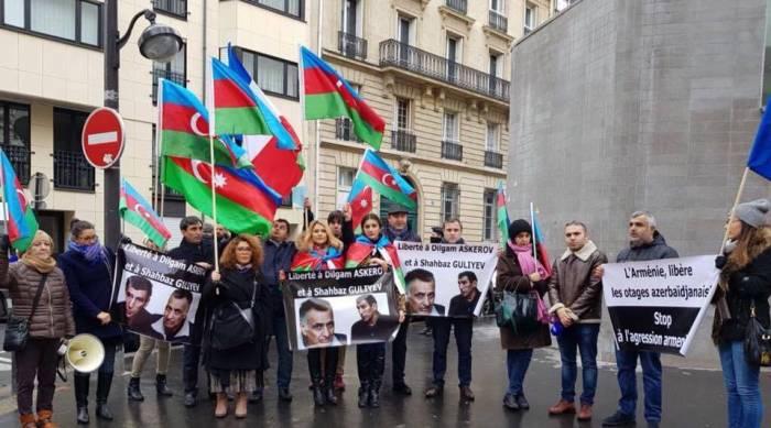 Parisdə Dilqəm və Şahbaza görə etiraz aksiyası keçirilib - FOTO