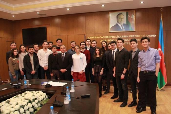 """Azay Quliyev """"Avropa Gənclər Parlamenti""""nin nümayəndələrini qəbul edib"""