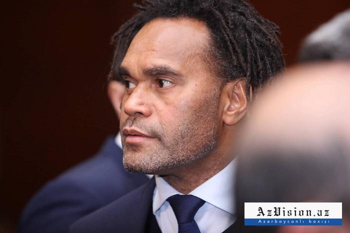 Fransanın məşhur futbolçusu Bakını təriflədi - FOTOLAR
