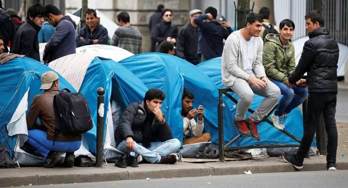 Massenbelästigungen durch Migranten: Pariser Frauen fürchten die Straße