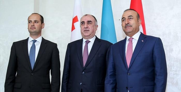 Azerbaijani, Turkish, Georgian FMs adopts Baku declaration