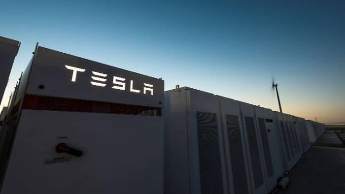 Tesla-Chef spart 50 Millionen