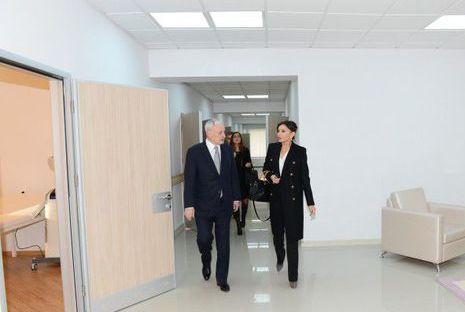 Mehriban Əliyeva qızı ilə açılış mərasimində - FOTOLAR
