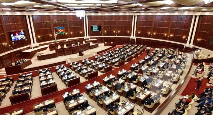 Parlamentin növbəti iclasının vaxtı bilindi