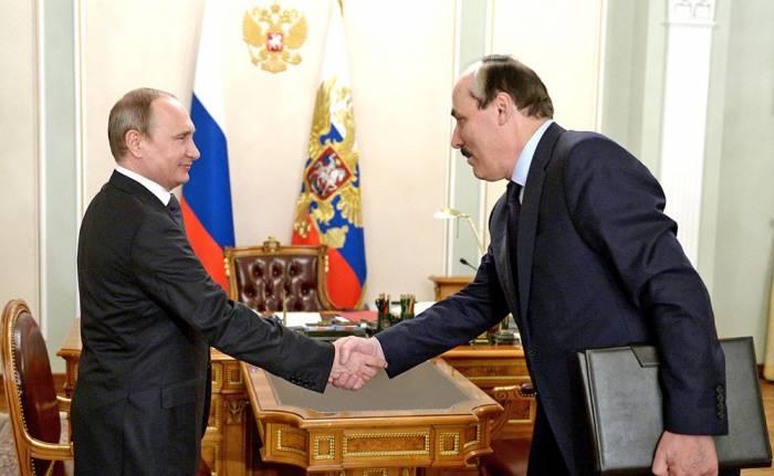 Putin Abdulatipovu yeni vəzifəyə təyin etdi