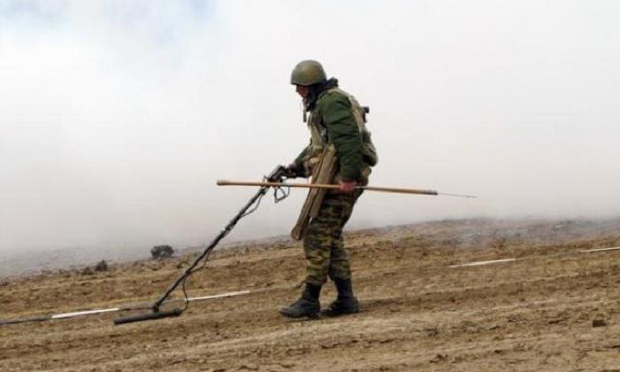 Azad edilən torpaqlar minalardan təmizlənir - FOTOLAR
