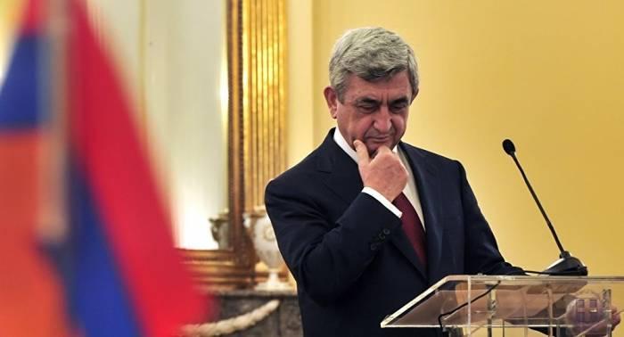 Sarkisyan Parisdə danışıqlara başlayır