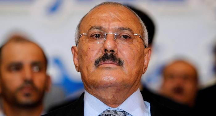 """Qətlə yetirilən prezidentin vəsiyyəti: """"Məni xainlər əhatə edir..."""""""