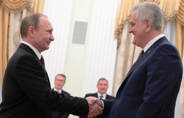 """Serbiya Putindən qorxdu: """"Sanksiyalara qoşulmayacağıq"""""""