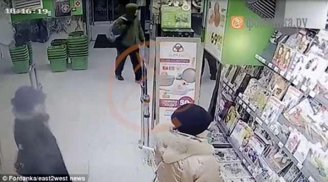 CCTV shows suspected St Petersburg supermarket bombing suspect - VIDEO