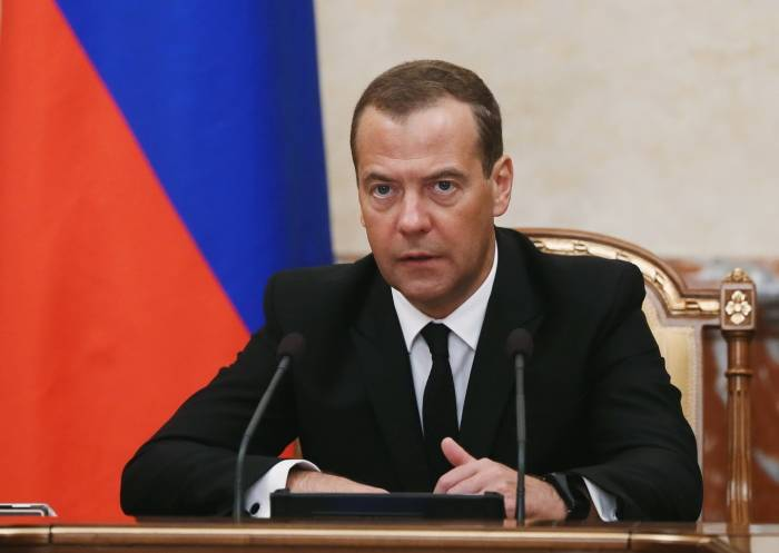 Medvedev İrəvanda səfərdədir