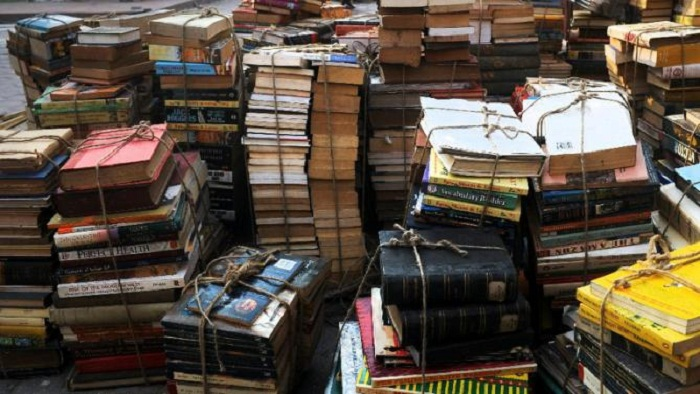 Russian Police Raid Library of Ukrainian Literature in Moscow