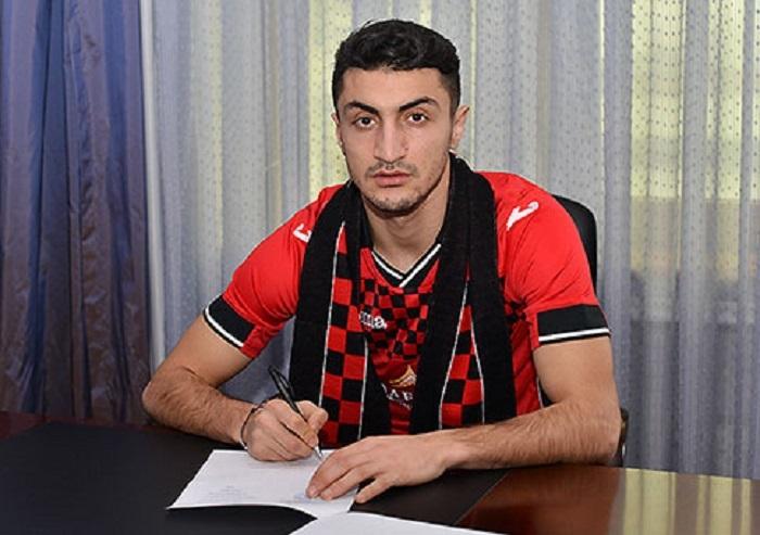 Araz Abdullayev `Qəbələ`yə keçib