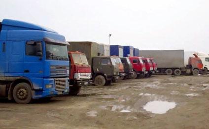 Azərbaycana gələn maşınlar yolda qaldı