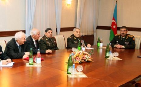 Zakir Həsənov sabiq müdafiə naziri ilə görüşdü