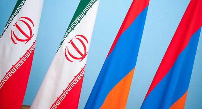 İran Ermənistan rəhbərliyini sülhə çağırdı