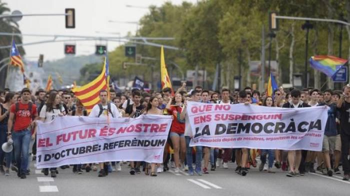 Madrid will in Katalonien für Ordnung sorgen: mehr Polizei entsandt