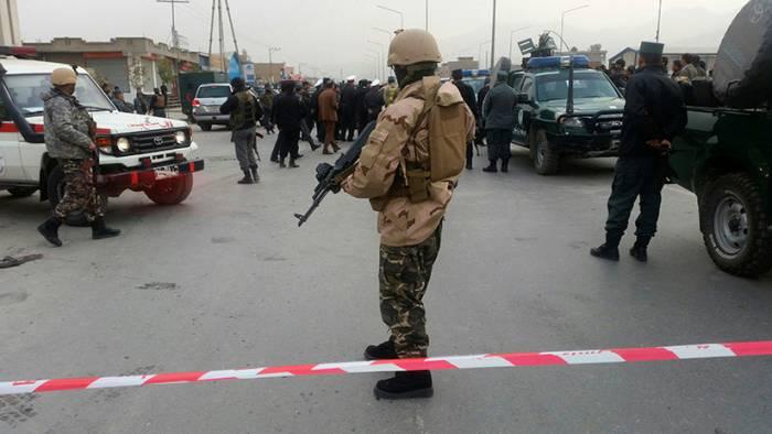 Afganistán: un atentado contra la Policía deja al menos 30 muertos y decenas de heridos