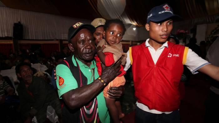 Militärs befreien fast 350 Indonesier aus Gewalt der Rebellen
