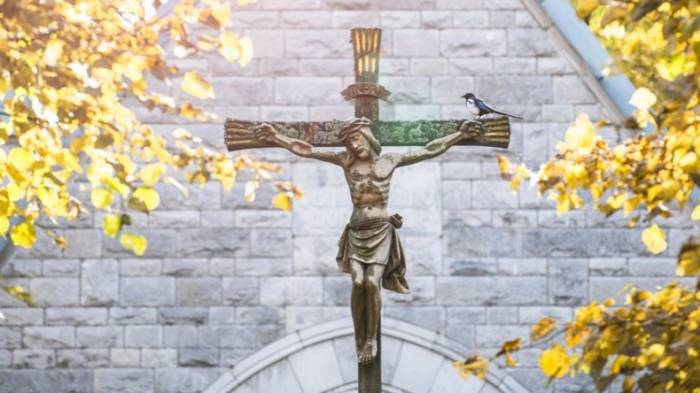 Schwedische Kirche setzt sich für Geschlechtslosigkeit Gottes ein