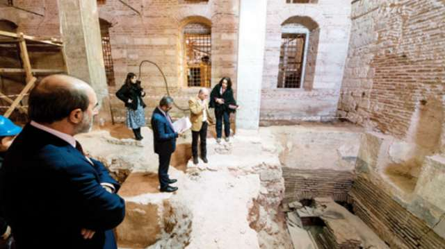 Istanbul: Im Topkapi-Palast für Fatih Sultan Mehmet errichtetes Herrscher-Bad entdeckt