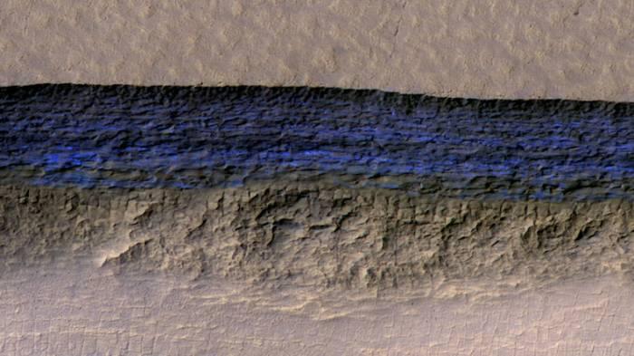 Enorme Wassermengen knapp unter der Oberfläche des Mars entdeckt