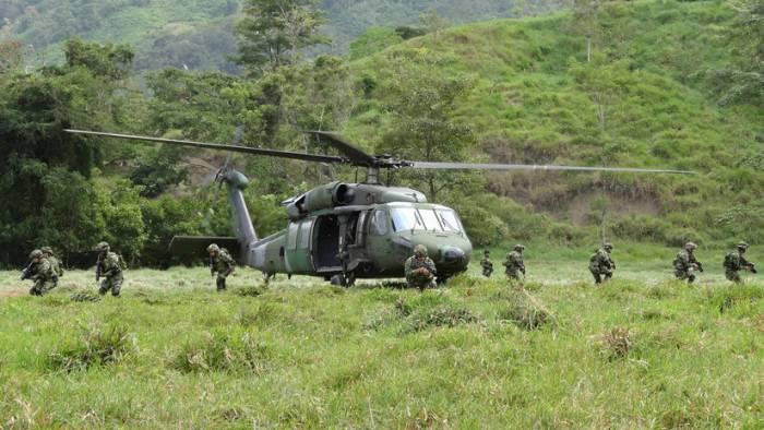Accidente de un helicóptero militar deja 10 muertos en Colombia