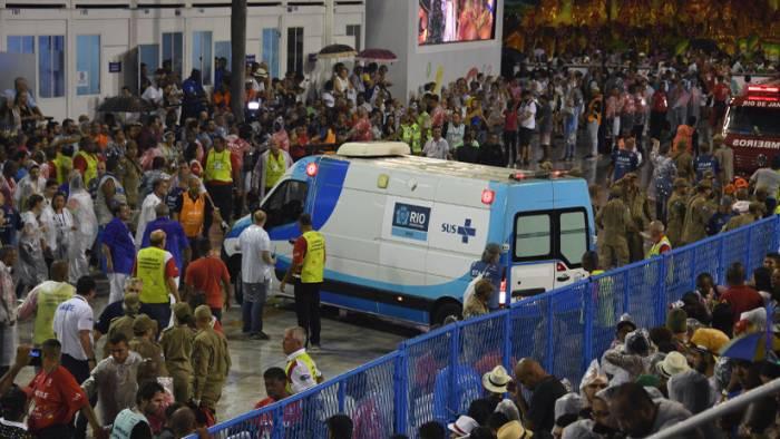 Un coche arrolla a una multitud en Río de Janeiro- (VIDEO)