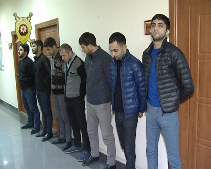 İnternetlə narkotik satan dəstə tutuldu - Fotolar